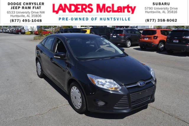 PRE-OWNED 2013 FORD FOCUS SE FRONT WHEEL DRIVE SEDAN